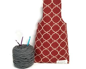 Medium Quatrefoil Lattice Pattern Cream on Burgundy Yarn Bag Project Tote S175