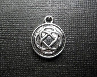 SALE - 8 Celtic Knot Charms in Silver Tone - C2429
