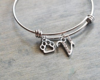animal lover jewelry, dog paw jewelry, silver bangle, dog mom gift, christmas, bridesmaid gift, best friend gift, initial charm bracelet
