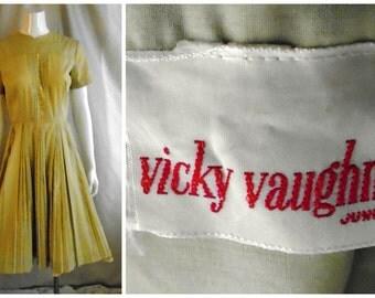 Vintage 1950's Summer Dress Vicky Vaughan Light Olive Full Pleated Skirt 38 x 26 x full