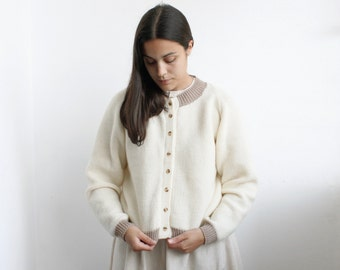 Classic bee stitch knitted cardigan - pearl white and beige with turtle buttons - retro style knitting jacket