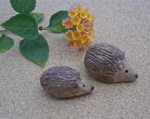 Baby and Mama hedgehogs - stoneware miniature animals