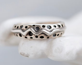 Abstract Ring - Dots and Squgle - Sterling Silver Stylized Modern Ring - Size 9