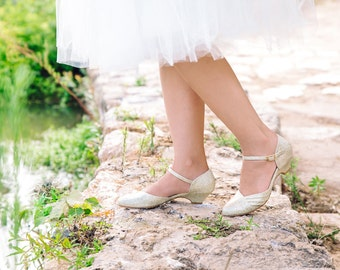 Non leather bridal shoes / vegan bridal sandals / low heel wedding shoes / beautiful gold shoes / high quality & comfortable / I do!