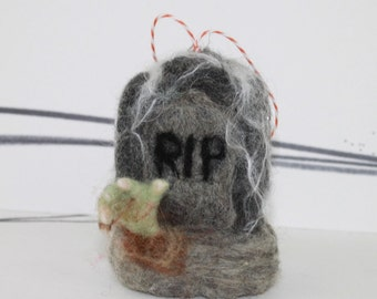 Needle felted tombstone RIP ornament, felted Halloween ornament decor, halloween zombie hand, felt graveyard Halloween decor, scary ornament