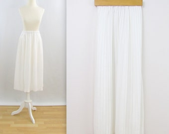 Vintage 1980s White Pleated Summer Skirt in Small