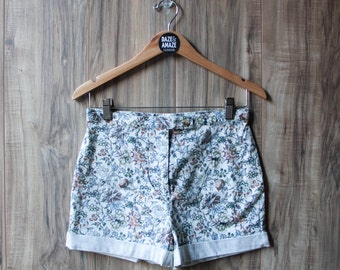 High waist vintage floral shorts Size 6 | Flower pattern shorts | Vintage shorts |  Hipster festival bohemian shorts | Floral clothing |