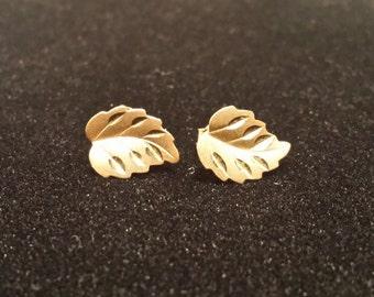 14k Gold Stud Leaf Earrings
