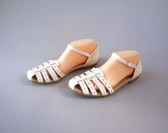Vintage 90s white leather comfy ankle strap sandals women's size 8.5
