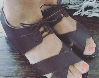 Vintage 80s Dark Brown Leather Ankle Lace Up Sandal Shoes Minimalist Size 6