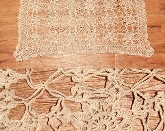 Vintage Ecru Crochet RECTANGLE DOILY // Pinwheel Flowers