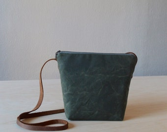 Shoulder Bag in Olive Green Waxed Canvas - Cross Body Purse