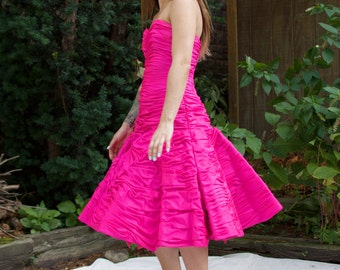 Vintage Victor Costa 80s Party Dress - Strapless Hot Pink Ruffle Full Skirt - XS