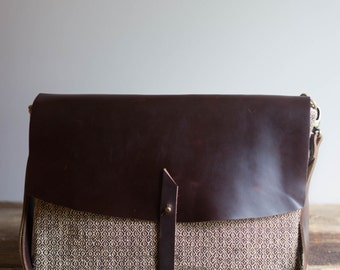 Leather Messenger Bag / Leather Crossbody Bag / Cross Body Bag / Handbag / Messenger Bag Women / Womens Messenger Bag / Leather Bag / Gifts