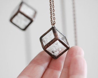 Terrarium necklace    . Stained glass necklace. Pressed flowers necklace. Baby's breath terrarium. Hanging terrarium. Botanical jewelry