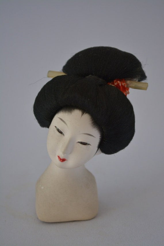 gelled hairstyles : Geisha hairstyle model, Japanese hairdressing, vintage maiko dolls ...