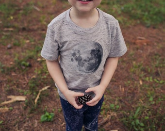 Bohemian Babies//Moonchild Collection//Moon tee//Gray tshirt with moon applique//Baby moon shirt//Gender neutral moon tee//Made to order