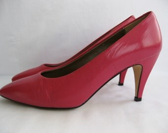 vintage. SHOES. leather. PUMPS. hot pink. HEELS. Size 7. 1980s.