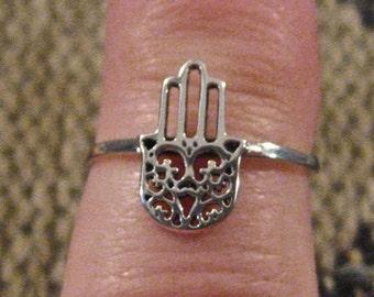Vintage 925 Sterling Silver Hamsa Ring