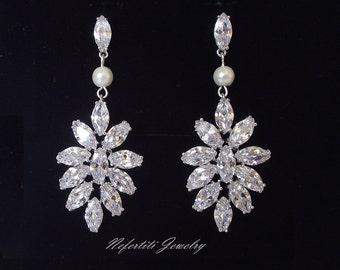 crystal and pearl chandelier earrings, wedding earrings, rhinestone bridal earrings, crystal earrings, wedding chandeler earrings