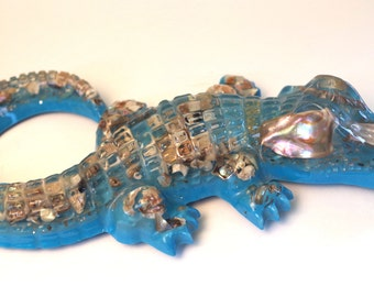 Vintage 1960s Lucite and Abalone Shell Molde Alligator Souvenir of Florida