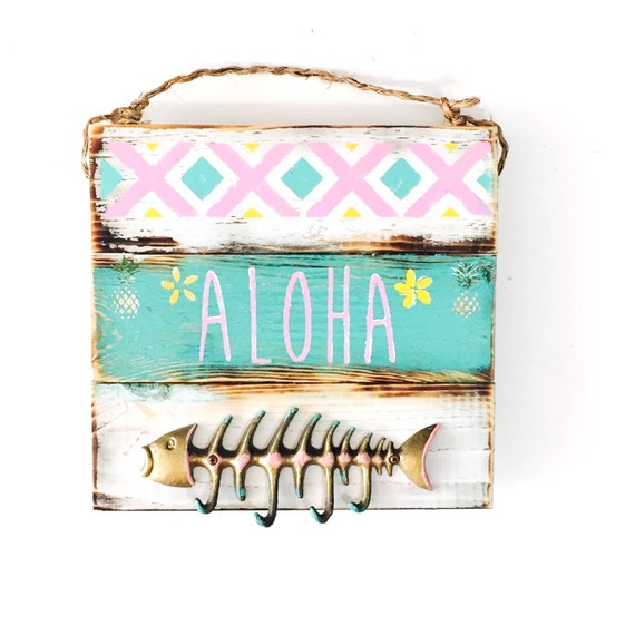 Aloha Sign / Fish Key Hook / Jewelry Hanger / Sea Gypsy California / Pallet / Hawaii Art / Brandy Melville sign