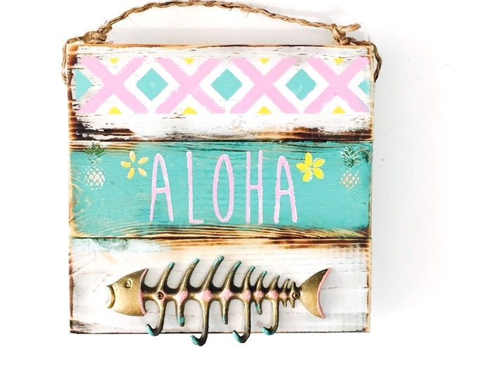Aloha Sign / Fish Key Hook / Jewelry Hanger / Sea Gypsy California / Pallet / Hawaii Art / Brandy Melville sign