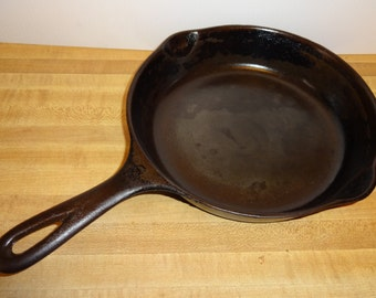 "Wagner Ware Vintage, Sidney,  ""0 "" Skillet with Side Pours, Black REDUCED"