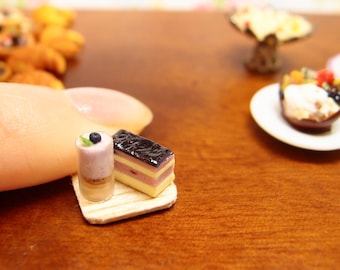 Blueberry cake and dessert. Miniature mousse and cream sponge cake  –1:12 one inch scale resin clay ooak dollhouse miniature