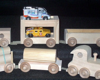 Train set, wooden, Six pieces connected by velcro.