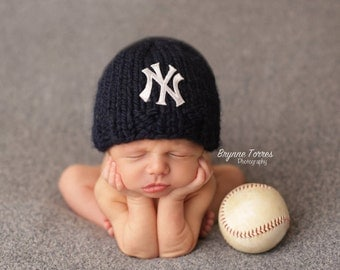 NY Yankees Baby Hat, Newborn Yankees Hat, Newborn Yankees Beanie, Knit NY Yankees Baby Hat, Yankees Photography Prop