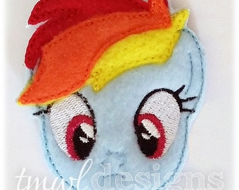 Rainbow Pony Head Feltie Digital Design File - 1.75""