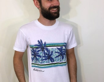 California CA Palm Trees Breezy Wind Tropical Beach Surf Waves Summer Vacation West Coast Sun Colorful White Tee T Shirt Medium M 80s 1980s