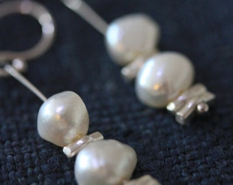 Pearls and silver sprinkles beads dangle earrings (E0166)