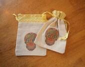 Set 2 Sugar Skull Gift Bags. Party Favors Skeleton Dia de los Muertos Loot bag Party Decor Small Gift Wrap bones nelson