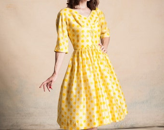 Vintage 1950s yellow raw silk dress with orange polka dots / Carol Craig New York / full skirt / bows / 3/4 dolman sleeves / size S/M