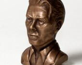 The Fashion Man, a bronze tribute to David Bowie