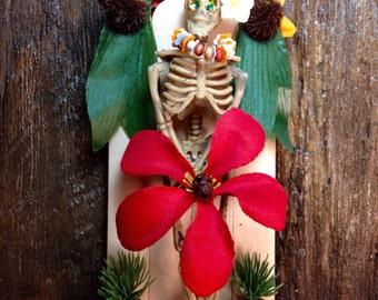 Day-of-the-Dead Plumeria Skeleton Nicho / Dia-de-los-Muertos Tropical Shrine / Islander Folk Art Calavera Altar / Calaca Handmade Retablo