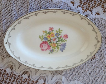 Vintage Homer Laughlin Nautilus Eggshell Small tray Floral Embroidery Pattern