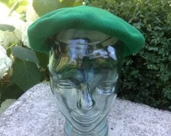Vintage Beret Hat Kelly Green Wool Betmar Hats Czechoslovakia