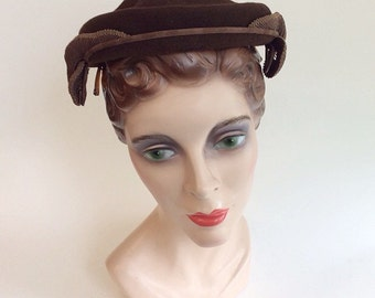 50s Brown Wool Pill Box Hat / 1950s Vintage Ribbon Pleated Hat