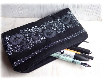 Grannys, pencil case, pouch, cosmetic bag, zipper bag, shabby chic nostalgic flowers Steampunk