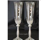Customizable Swarovski Crystal toasting flutes, toasting glasses, wedding flutes, Champagne flutes. Choose flutes and krystal design.