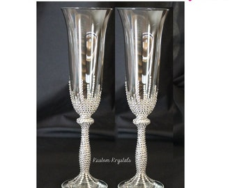 Customizable Swarovski Crystal toasting flutes, toasting glasses, wedding flutes, Champagne flutes. Choose flutes and krystal design.