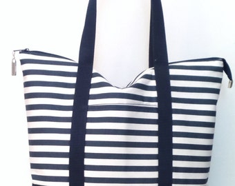 Tote Bag / Large Tote / Zippered Tote  /  Gym Bag / Travel Bag / Overnight Bag / Beach Bag / Weekend Bag /  Navy Blue and White