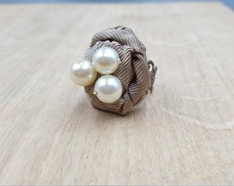 Ribbon and Pearl Filigree Ring