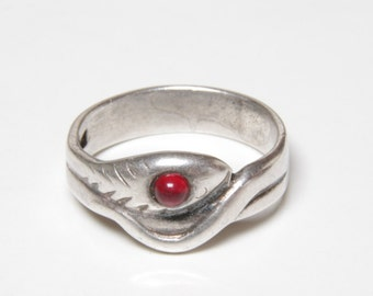 Victorian era sterling silver and red garnet snake ring / snake ring / garnet serpent ring/ snake / protective amulet / amulet / snake ring