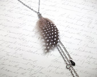 Long feather necklace with crystals
