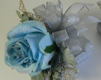BLUE ROSE WRISTLET and Boutonniee