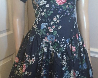 Pretty Totally awesome Navy 80's high low floral dress / size medium